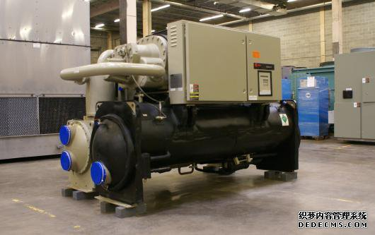 used_trane_water-cooled_chiller_300_tons_2000__2.jpg